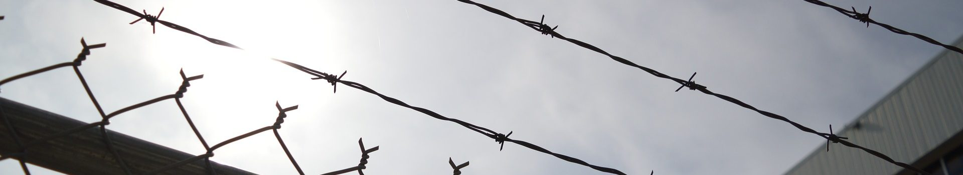 barbed-wire-960248_1920-1